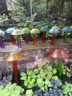 23 DIY Garden Mushrooms Design to Increase Your Backyard — Design & Decorating Want a cute addition to your garden? Go for DIY garden mushrooms! They're whimsical, fun to create, and will make any backyard or garden even more inviting Diy Garden, Glass Garden Art, Outdoor Gardens, Yard Art, Garden Mushrooms, Garden Design, Glass Garden, Glass Mushrooms, Garden Totems