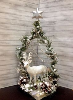 Christmas Wreaths for Front Door, Nordic Gnome, Christmas Mantel Christmas Makes, All Things Christmas, Winter Christmas, Christmas Time, Christmas Wreaths, Christmas Ornaments, Christmas Arrangements, Christmas Centerpieces, Floral Centerpieces