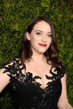 Kat Dennings in red lipstick and loose waves at the 2015 Tony Awards