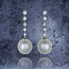 Beautiful Earrings for your big day. Diamonds and South Sea pearls to make you shine like a princess by @PearlsCenter
