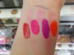Bottled Beauty: First Impressions Review: Savvy by DB Ultra Matte Lip Colour And High Shine Lip Lacquer