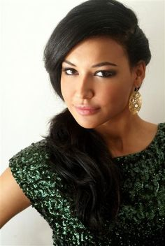 Naya Rivera plays Santana on Glee - Hottie can sing!