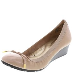 This cute & comfortable wedge is great for work and play!