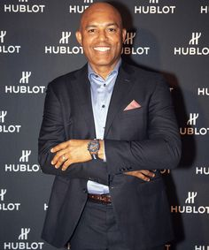 This collab is a home run. We take you inside Hublot's celebration honoring baseball legend Mariano Rivera, and the timepiece collection they've worked together to create. Each watch is decorated with classic New York Yankees style. Richard Mille, New Launch, Baseball Players, Signature Design, New York Yankees, Warm Weather, Cool Style, Street Style, Men's Watches