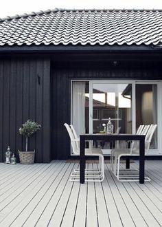 Colours for exterior Interior Exterior, Exterior Design, Interior Architecture, Black Exterior, Outdoor Rooms, Outdoor Living, Outdoor Decor, Outdoor Chairs, Black House