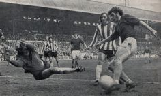 Sheffield United v Everton 1971-72; Bernie Wright scoring the opener