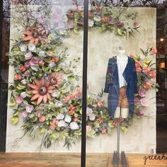 Likes spring window display, store window displays, boutique window display Boutique Window Displays, Store Window Displays, Retail Displays, Visual Merchandising Displays, Visual Display, Retail Windows, Store Windows, Boutique Interior, Spring Window Display