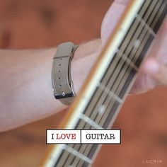 """"""" Apple Watch Strap by LUCRIN Geneva """" in Taupe Smooth Calf Leather  Over the end of year festivities, on some road in Andalusia, I came across this guy playing the famous spanish guitar... Reminded me of That song! 😍🎶🎼🎵 #luxurylife #luxurytravel #luxuryliving #luxurylifestyle #apple #lucrin #lucringeneva #leather #cuir #luxury #music #applewatch #musique #watch #guitar #montre #guitare #melody #melodies #instruments #song #acoustic #bass #musician #instagram #fender #lespaul…"""
