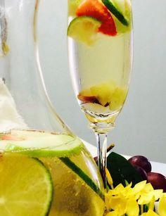 Para sua festa ser um sucesso, nada como servir boas opções de bebida aos convidados, né?! Aprenda a fazer dois drinques, um com álcool e outro sem, e torne sua festa inesquecível!