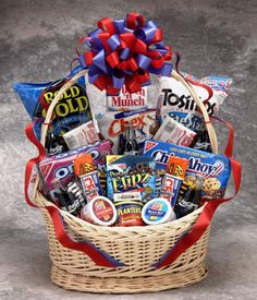 Get the perfect gift for anyone who likes to munch with this large snack gift basket that features a range of goodies and six glass bottles of classic Coke. It makes a great surprise as a host gift on game day or at any friendly gathering.