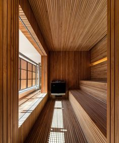 A sauna in your own four walls is pure relaxation. The sauna brings the wellness oasis in your own f Sauna Steam Room, Sauna Room, Indoor Pools, Japanese Sauna, Modern Saunas, Sauna Wellness, Sauna Seca, Studio Mk27, Sauna House