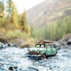 Discovering — and telling — stories from around the world. Traveling cars adventures by Kim Leuenberger