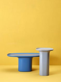 Table Furniture, Luxury Furniture, Furniture Design, Colourful Living Room, Coffe Table, Assemblage, Furniture Inspiration, Design Inspiration, Minimalist Design