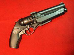 Luigi Franchi Safari 13, with a .454 casull revolver over a single shot .30-06 (hoax)