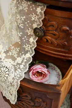 Ana Rosa.......Zoe took great care of the china she brought to America, and the lace....she knew one day it would be passed on to Adrienna.....and then on to her children....