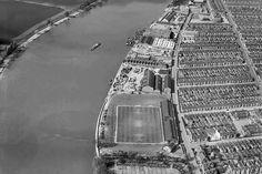 home of Fulham football club London Football, Retro Football, Football Kits, Munich Air Disaster, London Docklands, Fulham Fc, St James' Park, Stoke City, Stamford Bridge