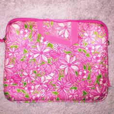 Lilly Pulitzer Laptop Computer Case EUC strap not included Lilly Pulitzer Bags Laptop Bags