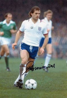 Ray Wilkins of England in Uk Football, England Football, National Football Teams, Vintage Football, Ray Wilkins, 3 Lions, England National, Football Memorabilia, Chelsea Fc