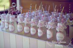 Lemoniada domowej roboty dla każdego z gości. #rekwizytorniaandcompany #wesele #urodziny #dekoracje #lemonadestand