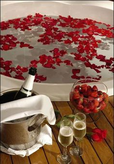 Romantic Room Surprise, Romantic Night, Romantic Dinners, Romantic Birthday, Romantic Valentine Ideas, Romantic Ideas For Him, Romantic Dinner Setting, Romantic Gifts, Romantic Weddings