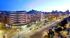 Hotel Viladomat by Silken Barcelona Conveniently located less than 10 minutes' walk from Hospital Clinic Metro Station, Hotel Viladomat by Silken is located in Barcelona. This property features free WiFi and an on-site bar.
