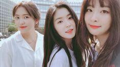 Red Velvet ~{ Yeri, Irene and Seulgi}~ Red Velvet Seulgi, Red Velvet Irene, Extended Play, South Korean Girls, Korean Girl Groups, Future Photos, Kim Yerim, Peek A Boos, Ulzzang Girl