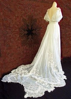 1930s antique style ivory lace wedding dress