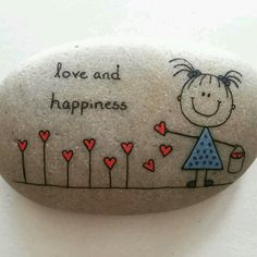 Creative diy painting rock for valentine decoration ideas 7 - Rockindeco Painted Rock Ideas - Do you need rock painting ideas for spreading rocks around your neighborhood or the Kindness Rocks Project? Painted rocks have become one of the most addictive c Pebble Painting, Pebble Art, Stone Painting, Stone Crafts, Rock Crafts, Arts And Crafts, Art Rupestre, Art Pierre, Rock Painting Designs