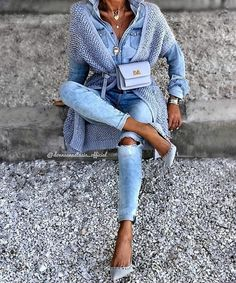 Ideas for moda femenina casual chic jeans Mode Outfits, Chic Outfits, Fashion Outfits, Womens Fashion, Fashion Tips, Paris Chic, Fashion Trends 2018, Mode Statements, Crochet Dress Girl