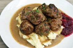 Paleo Swedish Meatballs - this recipe is to die for! Used arrowroot in place of tapioca flour and threw in a pinch of cayenne for flavor. Amazing! Cauliflower faux-tatoes makes for a yummy addition.