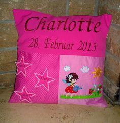 Noch so ein kleines Willkommensgeschenk. Diesmal für #Charlotte. #Kissen #Geschenk #Selbstgenäht #Geburt