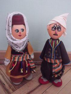 El yapımı ,hediyelik bebekler.Silifkenin geleneksel kıyafetleriyle giydirilmiş Taş Bebekler.