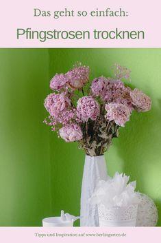 berlingarten zeigt dir, wie einfach es ist, Pfingstrosen (Päonien) zu trocknen. Dann hast du das ganze Jahr über einen zauberhaften Trockenstrauß im Haus, der dich immer an den schönen Juni erinnert. | Blumen konservieren | Dekoration | Blumenstrauß | Deko mit Blumen Ikebana, Amaryllis, Juni, German, Inspiration, Basteln, Decorating Ideas, Creative, Dried Flowers