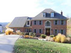 1255 Coventry Woods Dr, Anderson Township, OH 45230