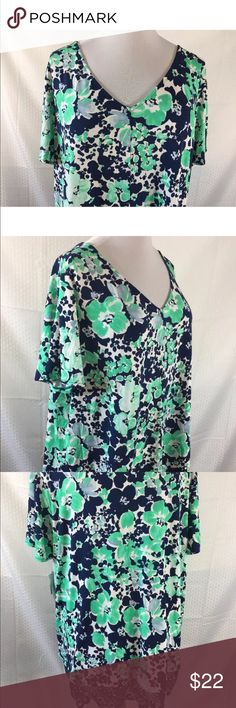 NEW Liz Claiborne Woman Plus SZ 3X Career Blouse NEW Liz Claiborne Woman Plus SZ 3X Career Blouse Top Tunic Floral V Neck NWT    Measurements: Length from back collar to bottom: 29 inches Length from front neckline to bottom: 22 inches Underarm to underarm: 27 inches   Thank you for looking Liz Claiborne Tops Tunics