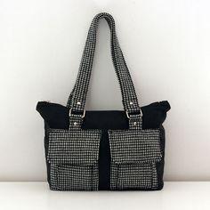 Patron sac Boléro - Ses poches de style cargo donnent au sac à main Boléro une allure «baroudeuse urbaine». Organisez votre kit de survie en ville !