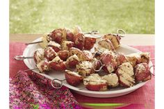 Some pre-grill microwave time makes these Easy Potato Skewers quick to make. Sprinkle Easy Potato Skewers with Parmesan when they're hot off the grill. Dinner Side Dishes, Dinner Sides, Side Dishes Easy, Side Dish Recipes, Dinner Recipes, Kraft Recipes, Potatoes On The Stove, Cooking Over Fire, Plat Simple