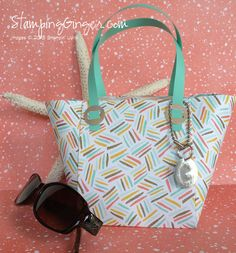 Designer bag - video offered by Elaine Jackson, www.papercraftbuttons.blogspot.com.