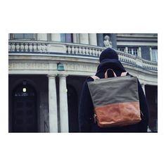 Der Fred sieht immer toll aus  | http://ift.tt/2uOOXSF #stadthimmel #dienstag #tuesday #tuesdays #fred #canvas #rucksack #hamburg #hh #berlin #nürnberg #dresden #november #backpack #minimalism #einfach #grün #cognac #goodtimes #gutelaune #explore #today #heute #gutenabend #leatherbag #weekender #tasche #glücklich #diewocheaufinstagram #dailypic