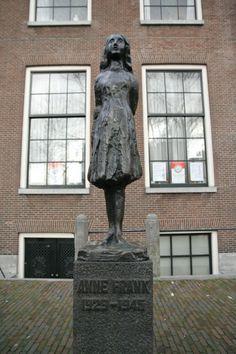 Het huis op de Prinsengracht waar Anne Frank en haar familie onderdook tijdens de Tweede Wereldoorlog.