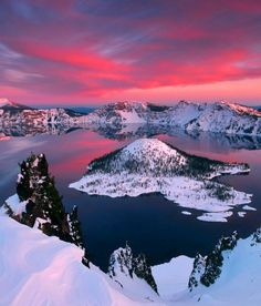 Astonishing Photos of Marvelous Places Around the World (Part - Crater Lake, Oregon, USA Crater Lake Oregon, Crater Lake National Park, National Parks, Places To Travel, Places To See, Places Around The World, Around The Worlds, Lac Tahoe, Paisajes