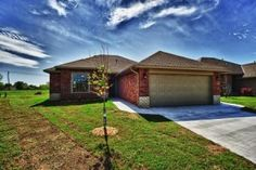 9025 NW 93rd Cir – Move in Ready!