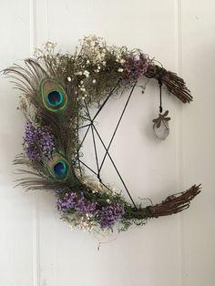 Glue Crafts, Wreath Crafts, Diy Wreath, Diy Crafts, Door Wreaths, Ribbon Wreaths, Tulle Wreath, Floral Wreaths, Burlap Wreaths