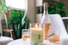 Ces bougies parfumées sont révolutionnaires, entièrement faites à la main, elle sont contenues dans des bouteilles de vin recyclées et sont composées de cire de soja 100% naturelles. Ces bougies parfumées ont une odeur agréable très subtile grâce aux mélanges de senteurs végétales et minérales qui rappellent les arômes et saveurs de vos vins préférés. Ces bougies parfumées sont un cadeau idéal et original pour vos amis ou votre famille !