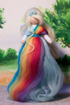 Regenbogenfee aus Märchenwolle, fairy, felt, wool, craft, jahreszeitentisch, märchenwolle, waldorf