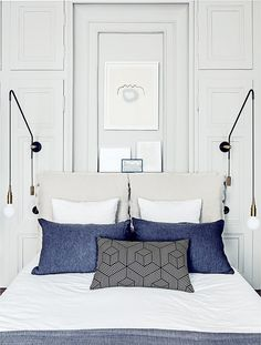 Decor Inspiration House tour : A modern French apartment Trendy Bedroom, Modern Bedroom, Bedroom Decor, Bedroom Ideas, Paris Bedroom, Blue Bedroom, Bedroom Lighting, Bedroom Colors, Master Bedroom