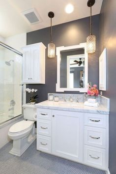 Cool small master bathroom remodel ideas (40)