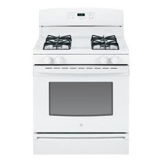 Create A Comfortable Convenient Cooking E In Your Kitchen With This Crisp White Gas Range The 4 Sealed Burners Include