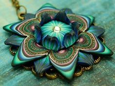 Polymer Clay Large Dimensional Flower Necklace - 'Mortal Coil' series by Ivy Niles of ikandiclay. Fimo Polymer Clay, Polymer Clay Flowers, Polymer Clay Pendant, Polymer Clay Projects, Polymer Clay Creations, Polymer Clay Beads, Clay Crafts, Metal Clay, Flower Necklace