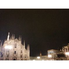 #piazzaduomomilano #piazzaduomo #milanobynight #nightlife #night #Milanoexpo  #ilbellodimilano #vivomilano #milanodavedere #milanodabere #loves_milano #igersmilano #igerslombardia #lombardia_city #igersitalia #amatelarchitettura #expo2015 #expomilano2015 #architecture #archilovers #architecturelovers #architectureporn #amatelarchitettura #theculturetrip #architecturephotography by tommyd89